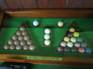 Billardballer på Grand Hotel - lavet af elfenben