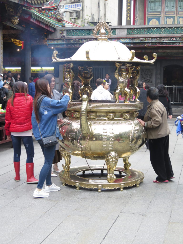 Indtryk fra det buddhistiske tempel Longshan i Taipei