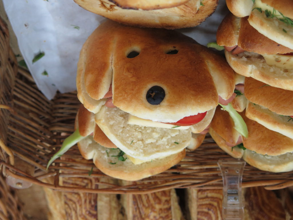 Hotdog til salg i Armenien