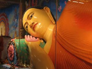 Kæmpe Buddha-figur i Anuradhapura