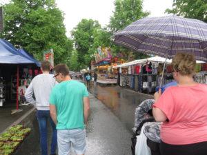 Byfest i Marl i regnvejr