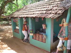 Vejbod, som sælger Curd - Yoghurt lavet af bøffelmælk. Sri Lanka - Langs sydkysten