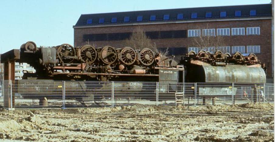 Anhalter Bahnhof med Damplokomotiv