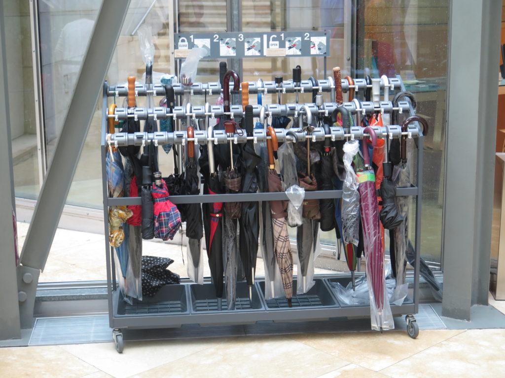 Stativ til paraplyer på Guggeheim-museet