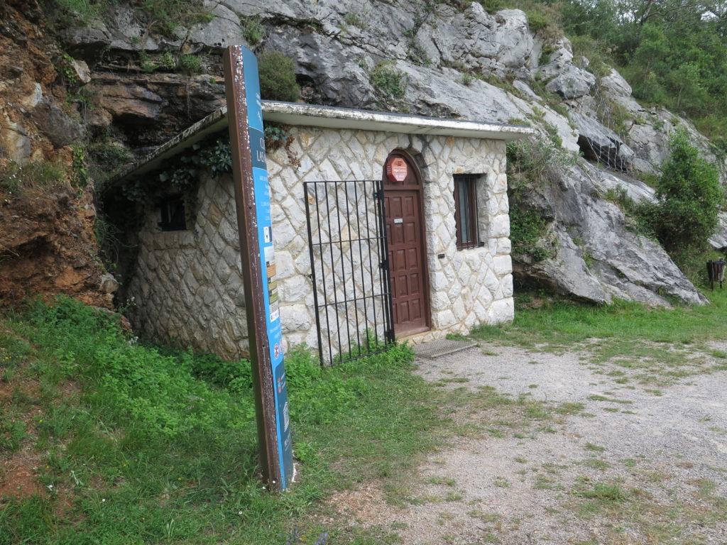 Indgangen til hulen Las Monedas