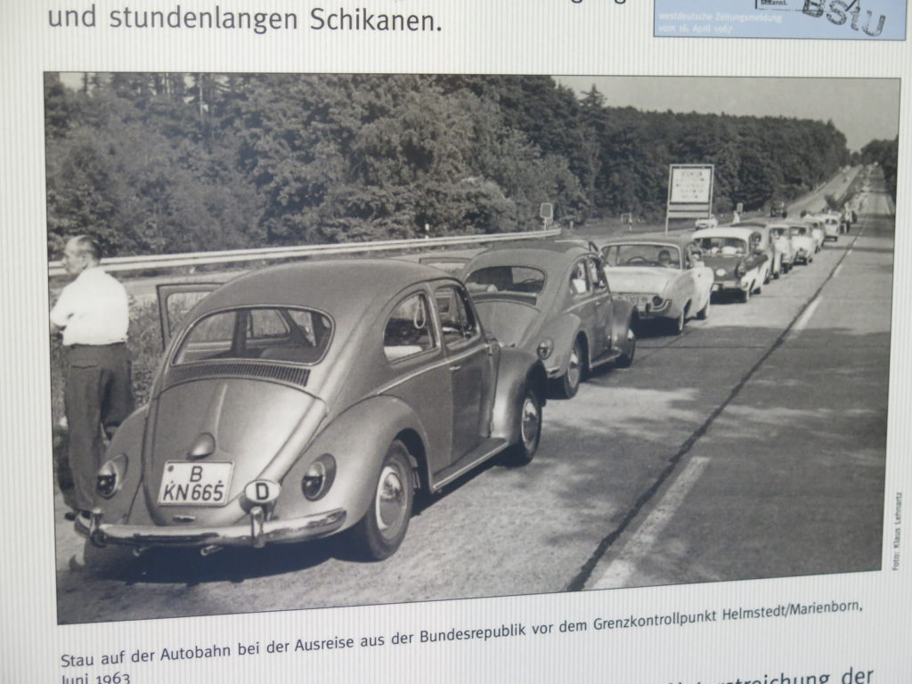 Der var lange køer ved Marienborn - Grænseovergang til DDR