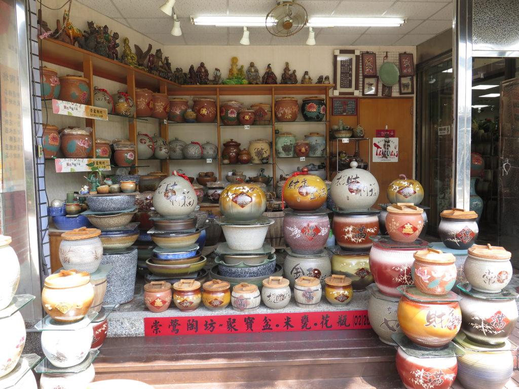 Salg af keramik i Yingge