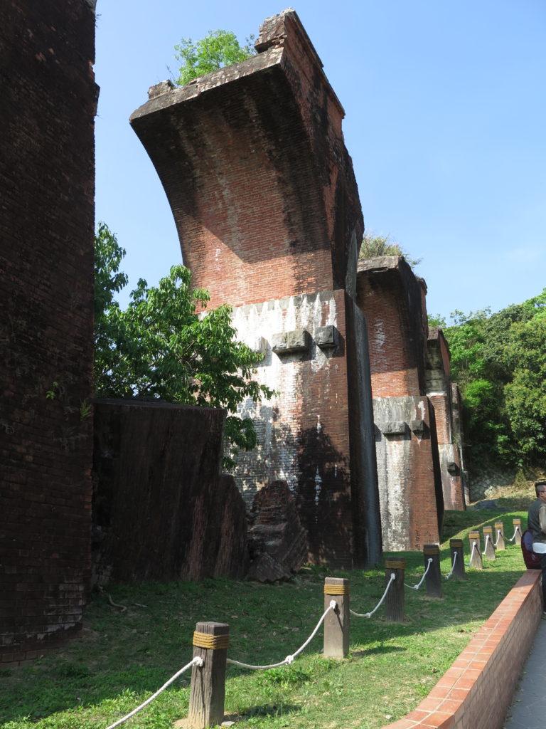 Ruinerne af Longteng broen. Yingge og Longteng samt Gaomei Wetlands