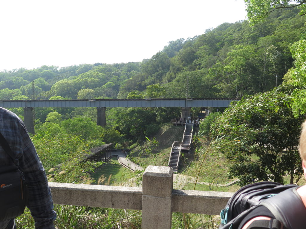 Ny bro. Yingge og Longteng samt Gaomei Wetlands
