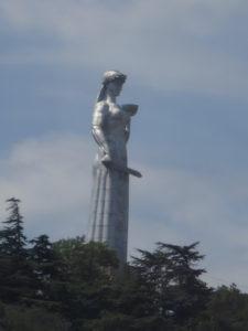 Mother Georgia på toppen af Sololakis bjerget