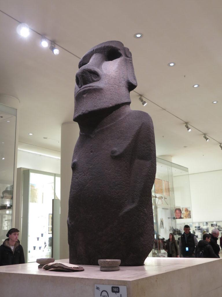 Skulptur fra Påskeøerne. Man kan vist ikke nå British Museum på en time