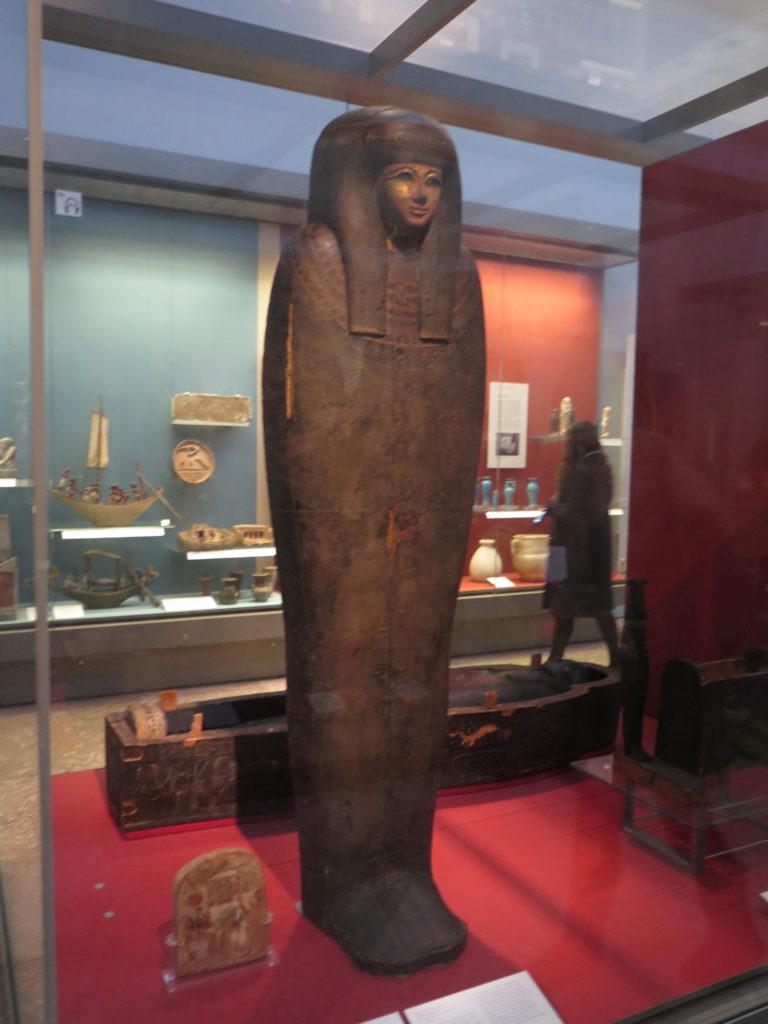 Ægyptisk mumie på British Museum. Man kan vist ikke nå British Museum på en time
