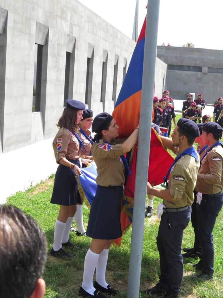 Højtidelighed ved Det armenske folkemords-museum i Yerevan