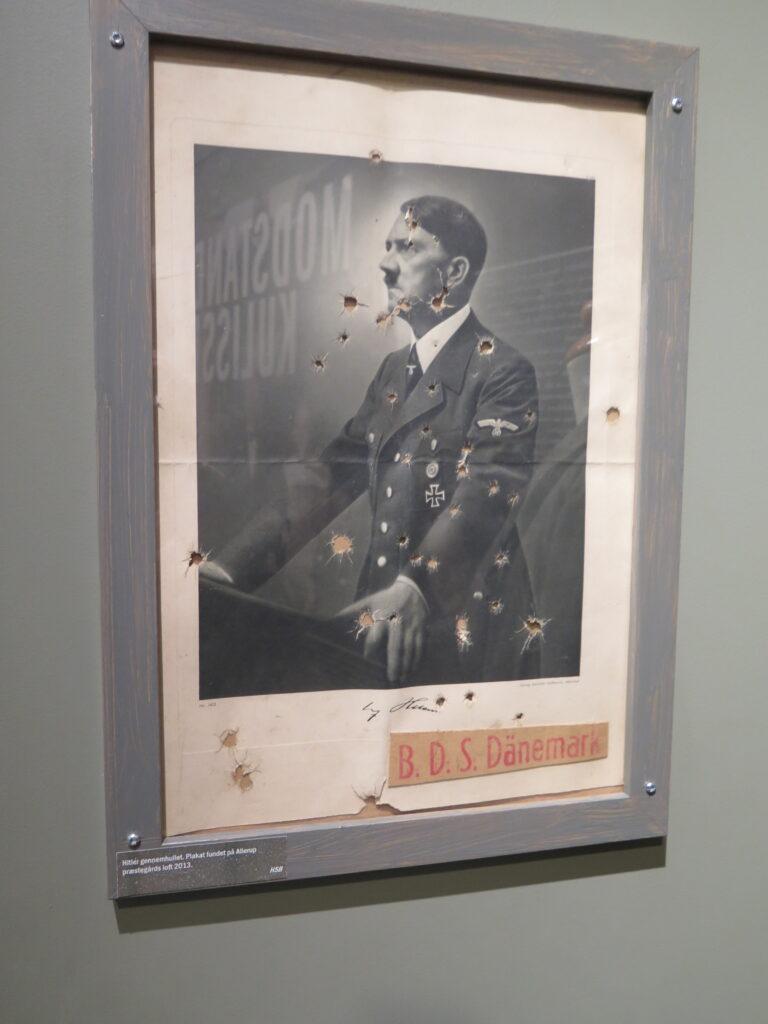 Skudhuller i billede af Hitler