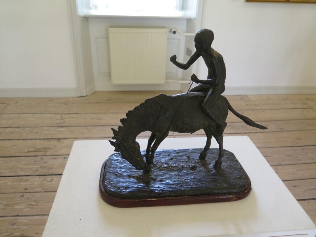 Th. Philipsen: Dreng på æsel i bronze