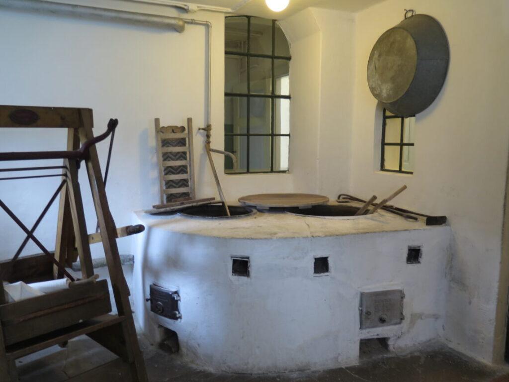 Vaskerum, som vist på Danmarks Forsorgsmuseum i Svendborg