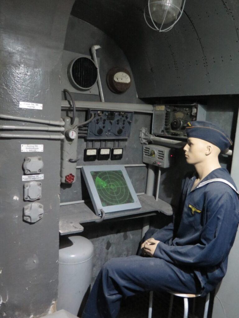 Inde i en Ubåd på Mauerwald-museet