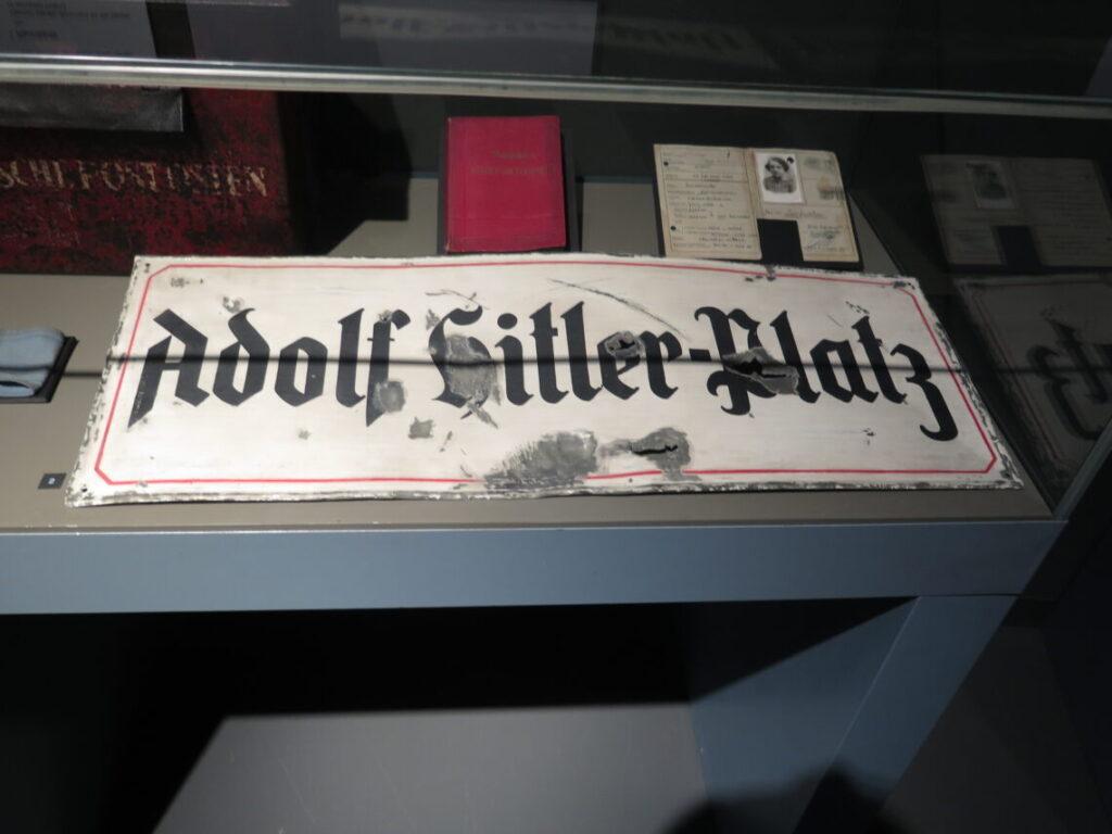 Adolf Hitler-Platz i Polen