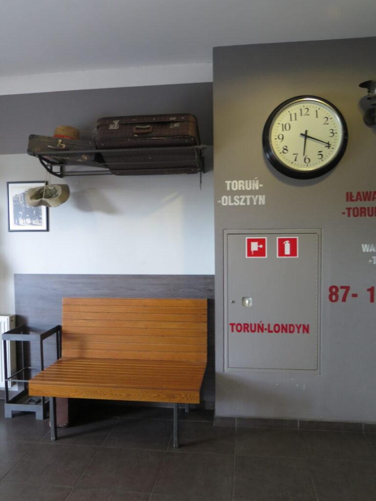 I lobbyen på Hostel. Overnatning i Torun i Polen