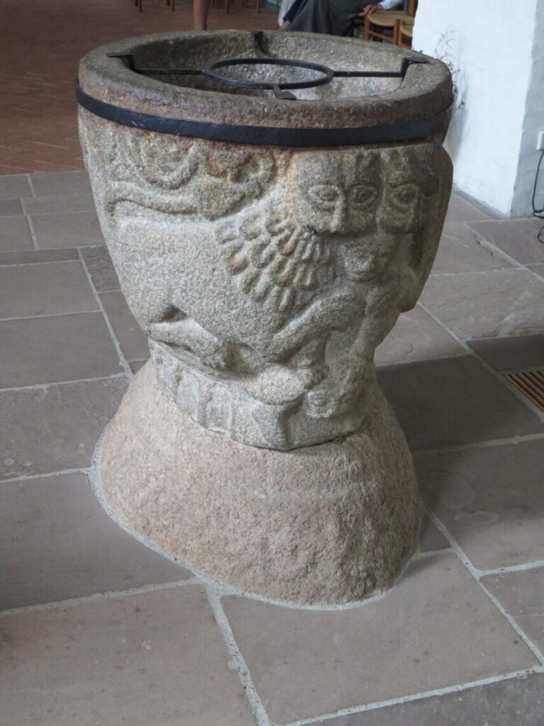 Døbefond fra omkring 1200