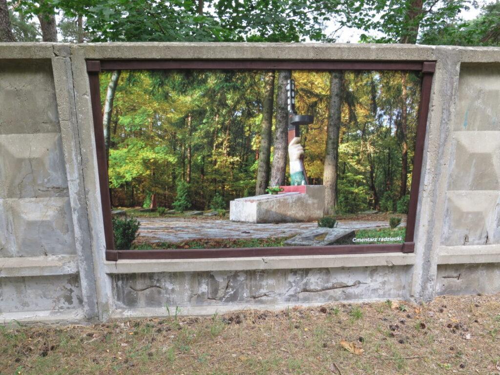 Sovjetisk militærkirkegård i Borne Sulinowo - Den hemmelige By