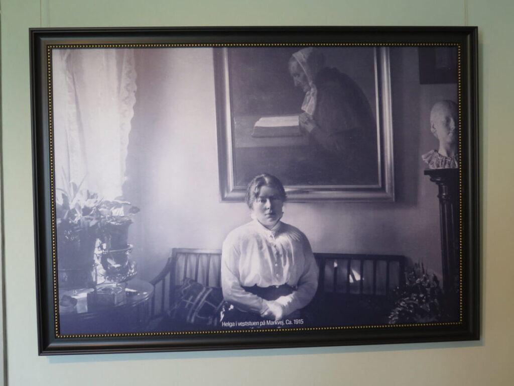 Helga i veststuen på Markvej. Ca 1915 fra Saxilds Gaard i Skagen