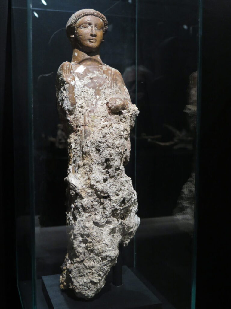 Terracotta-figur fra Malaka-salen
