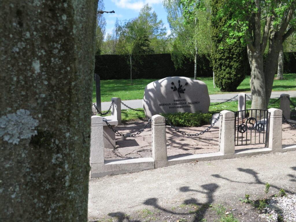 Herman Sallings Familiegravsted er et eksempel på kendte danskere på Nordre Kirkegård