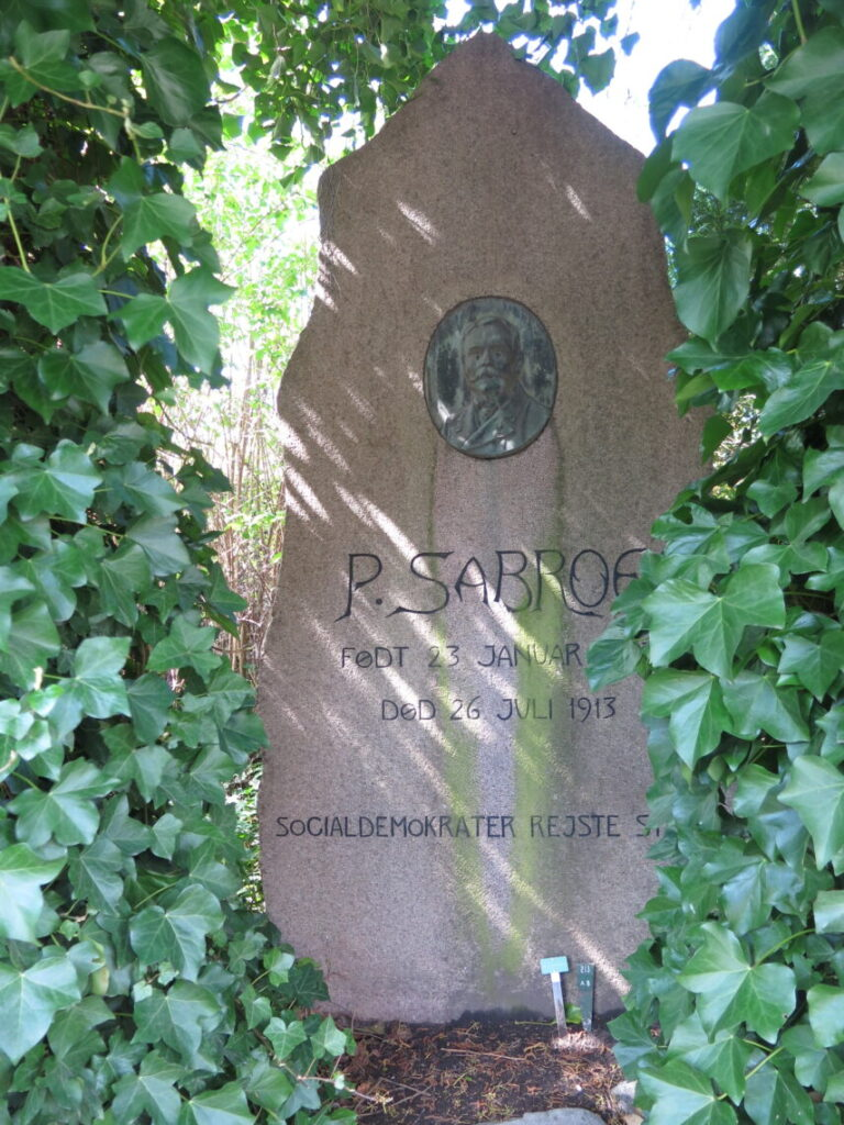 Peter Sabroe er også en af de kendte danskere på Nordre Kirkegård