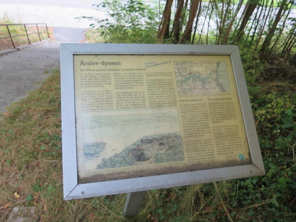 Planche på stedet for Årslev-dyssen